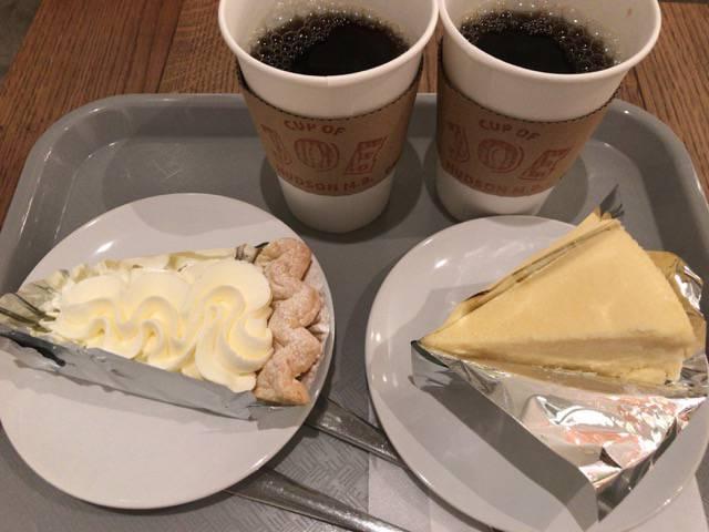 レモンクリームパイとニューヨークチーズケーキ