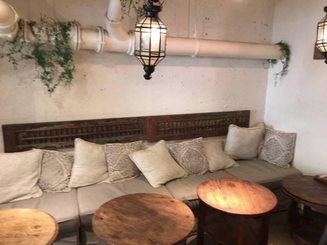 白金台のカフェシロカネラウンジの店内の様子