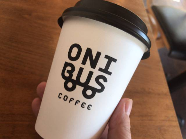 オニバスコーヒーのカップ