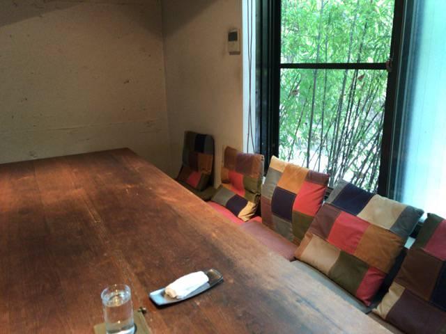 レーベルカフェトーキョーテーブル席