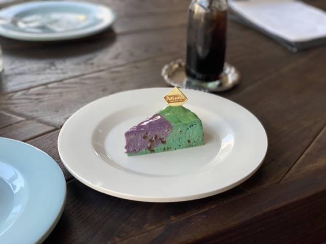 エーワークスのチョコミントチーズケーキ
