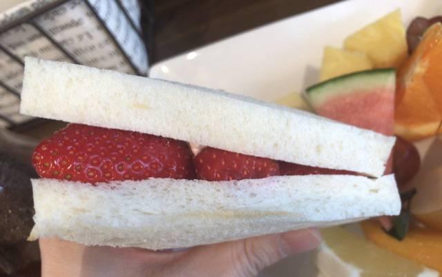 ベルガモットのフルーツサンドイッチ