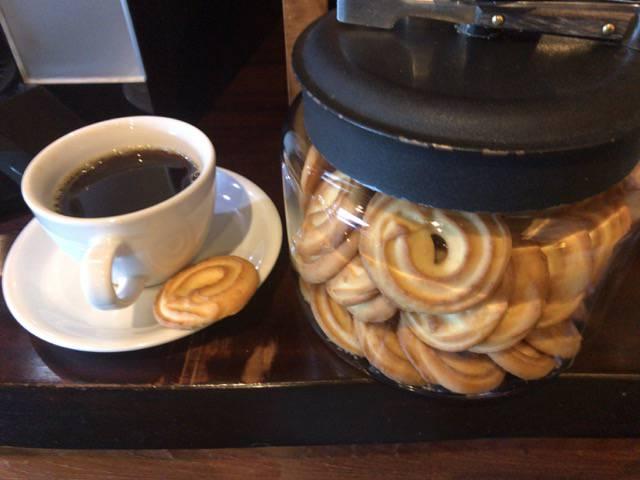 クッキーとコーヒーのサービス