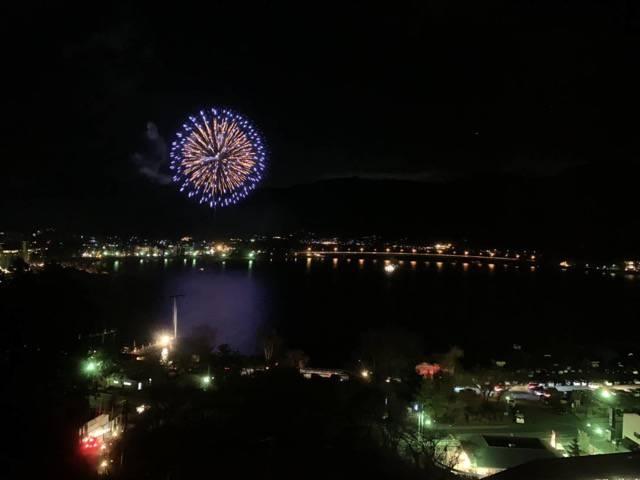 河口湖の冬の花火