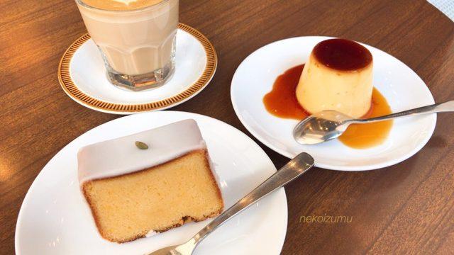 オクサワファクトリーカフェラテとプリンとレモンケーキ