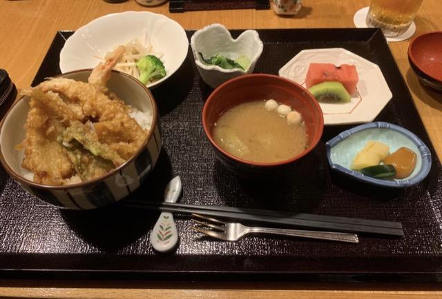 木都里亭のランチの天丼
