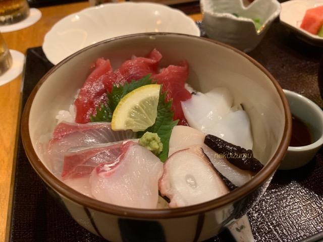 木都里亭の海鮮丼