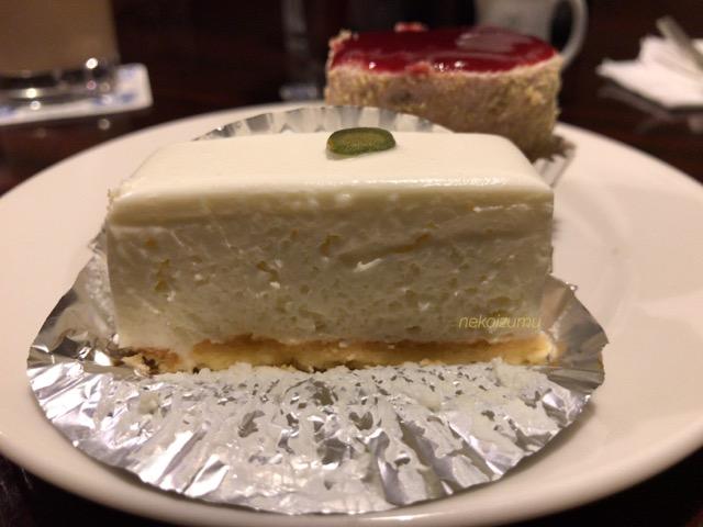 しろたえのレアチーズケーキ