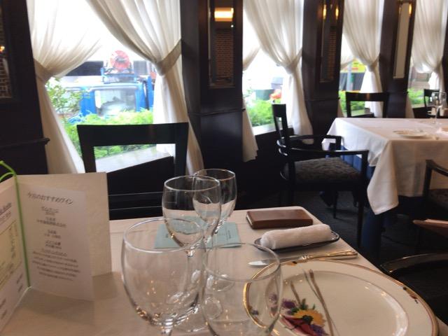 アルファーロのテーブル