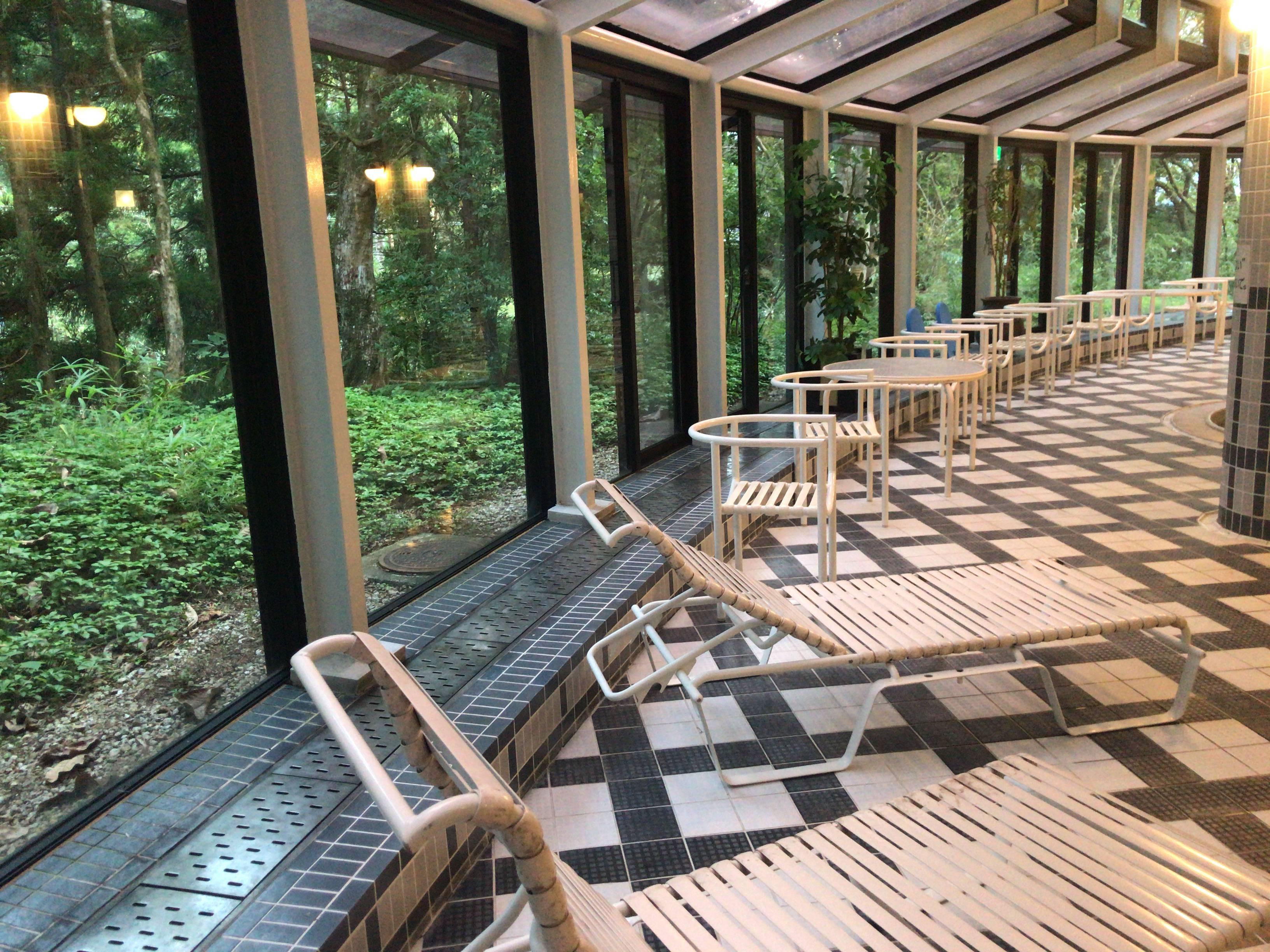 トスラブ箱根和奏林の温水プール