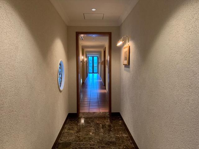 トスラブ館山客室の廊下