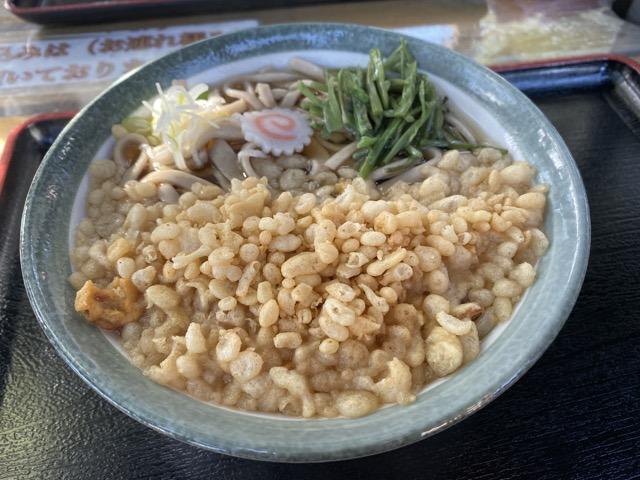 高尾山山頂でお蕎麦