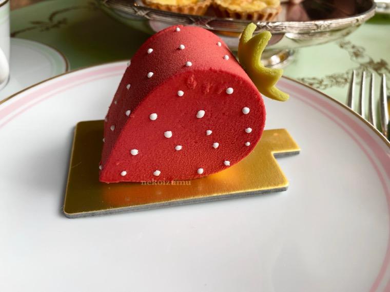 ラデュレ苺のケーキ